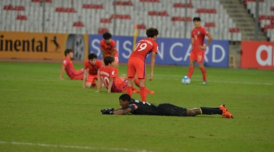 Nỗi buồn của U19 Hàn Quốc sau khi bị loại