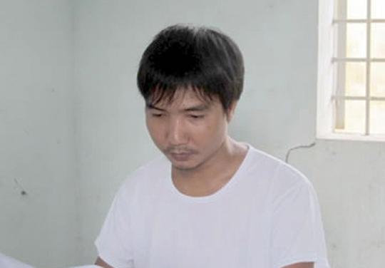 Nguyễn Mạnh Hùng tại cơ quan công an