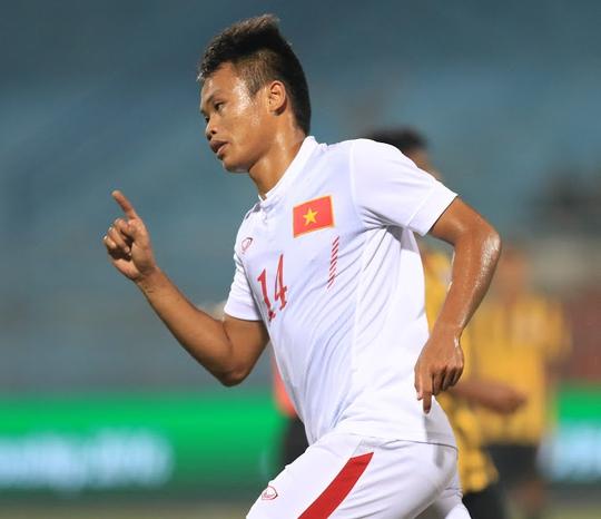 Duy Khánh sau pha mở tỉ số cho U19 Việt Nam tối 19-9 Ảnh: Hải Anh