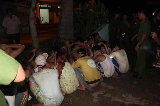 Những học viên được đưa về trại sau khi đào thoát