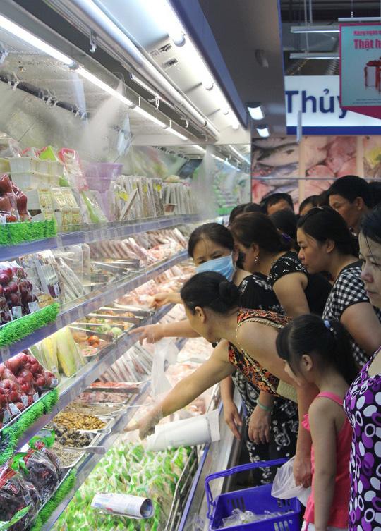 Nhiều mặt hàng thực phẩm tươi sống tại Co.opmart và Co.opXtra đang giảm giá luân phiên