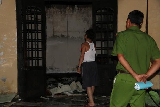 Căn nhà cháy không bị thiệt hại nặng vì hầu như không còn tài sản đáng giá