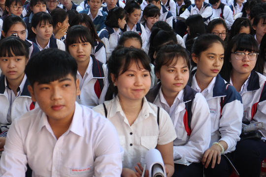 Một số lãnh đạo các sở GD-ĐT cho rằng kỳ thi THPT quốc gia 2017 sẽ nhẹ nhàng, đơn giản hơn. Ảnh: B. Lâm