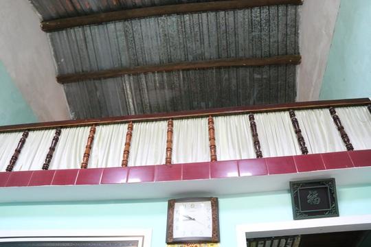 Căn nhà ông Toàn khá khiêm tốn có mái lợp bằng tôn