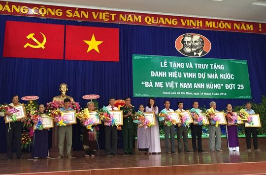 Có 48 trường hợp được tặng và truy tặng danh hiệu Bà mẹ Việt Nam anh hùng lần này.