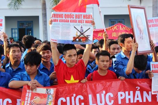 Một hoạt động phản đối Trung Quốc đưa giàn khoan Hải Dương 981 vào vùng biển Hoàng Sa ở TP Nha Trang, tỉnh Khánh Hòa trước đây