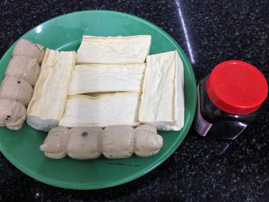 Nguyên liệu cho món đậu hũ kho tương