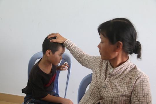 Chị Yên cùng con trai thoát chết sau vụ tại nạn