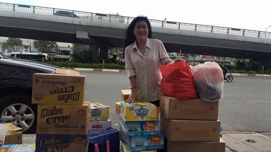 NS Thanh Thủy trong một chuyến đi trao quà từ thiện