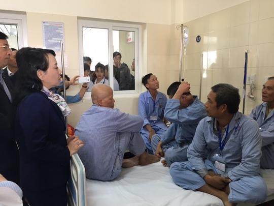 Bộ trưởng Bộ Y tế Nguyễn Thị Kim Tiến thị sát Bệnh viện K Trung ương (cơ sở 3)