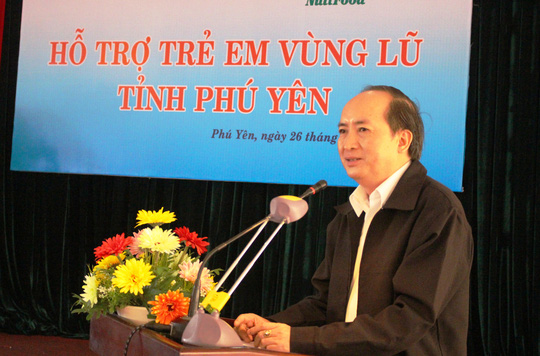 Ông Phan Đình Phùng, Phó chủ tịch UBND tỉnh Phú Yên, cho hay người dân vùng lũ Phú Yên đang thiếu thốn trăm bề