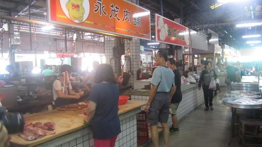 Dù là khu bán thịt cá nhưng không có mùi hôi hay nước đọng