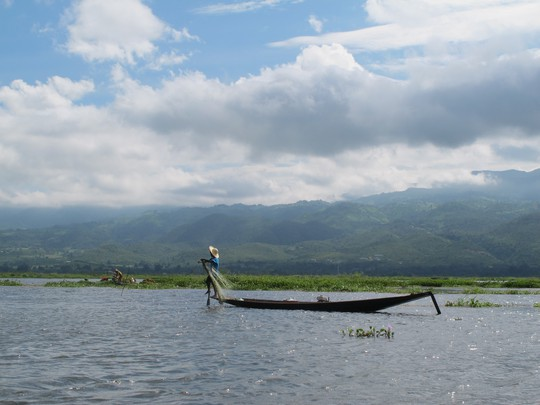Đánh cá trên hồ Inle