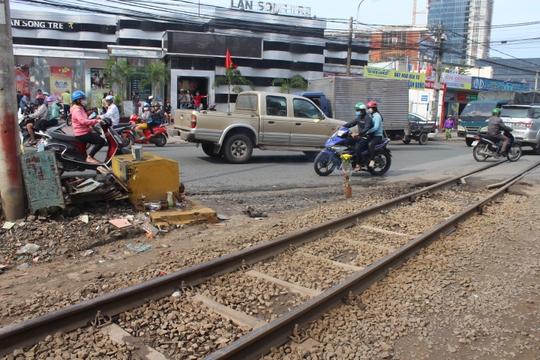 Khu vực đường sắt giao đường bộ có rào chắn đoạn qua nội ô TP Biên Hòa, nơi xảy ra vụ việc