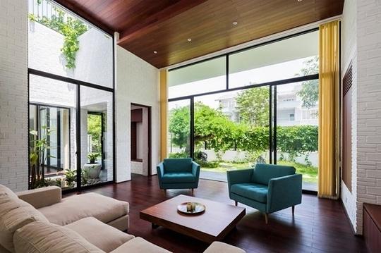 Bố trí nội thất của nhà được sắp xếp và phân bố theo các nhịp mái.
