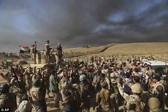 Trận đánh tái chiếm Mosul đã bước vào giai đoạn quyết định Ảnh: AP
