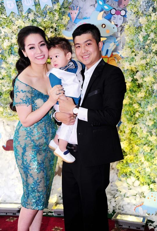 Gia đình hạnh phúc của Kim Anh