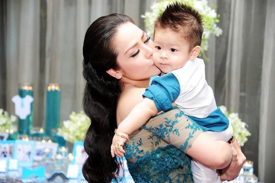Kim Anh và con trai