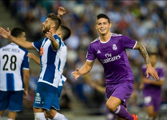 James Rodriguez vui mừng sau bàn mở tỉ số
