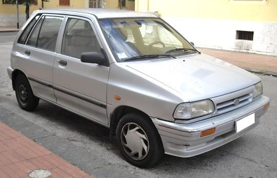 Kia Pride CD5 không đẹp nhưng chạy ổn định và phụ tùng rẻ.