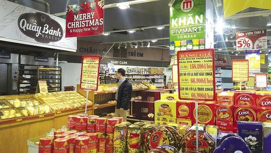 Quầy bánh kẹo tại siêu thị Fivimart