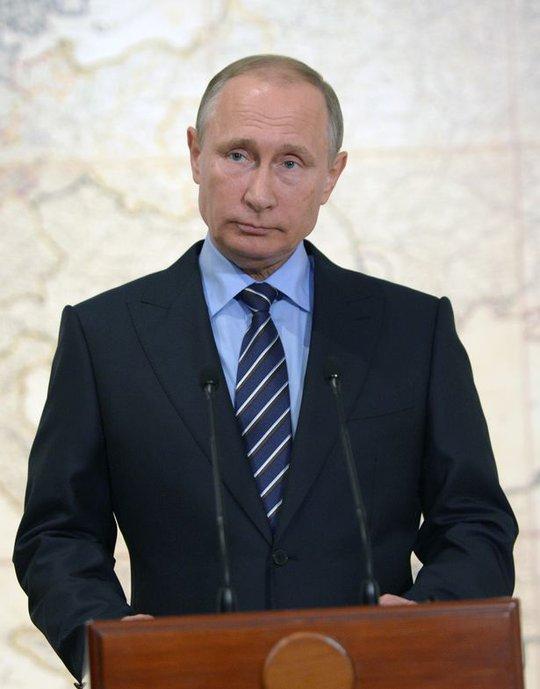 Tổng thống Putin yêu cầu lắp đặt S-300 và S-400 để bảo vệ lực lượng trên mặt đất. Ảnh: Barcroft Media