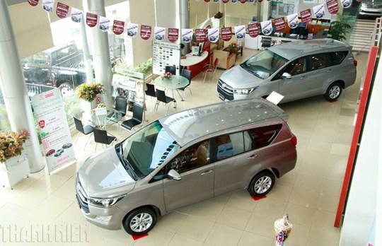 Khi mua xe dịp cuối năm, bạn nên cập nhật thông tin về mẫu mã, thiết kế của từng dòng xe