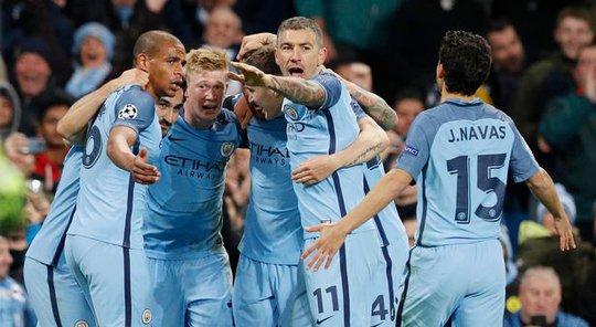 Man City giành chiến thắng nhờ biết cách hóa giải Messi