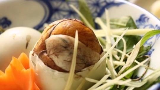 Nên ăn trứng vịt lộn vào buổi sáng, tránh ăn vào buổi tối