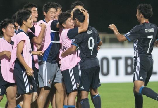Messi Nhật Kubo Takefusa (số 9) thi đấu quá xuất sắc