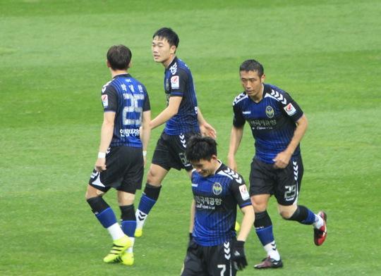 Clip: Xuân Trường tròn vai trong lần thứ 2 đá chính ở K-League