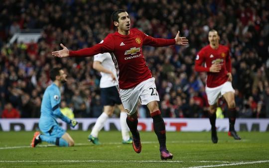 Niềm vui của Mkhitaryan sau khi ghi bàn mở tỉ số cho M.U