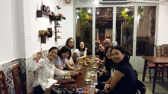 Quán ăn gia đình Tía ơi là sự lựa chọn lý tưởng cho những buổi họp mặt gia đình, gặp gỡ bạn bè, đối tác, tổ chức tiệc tùng, liên hoan cuối năm