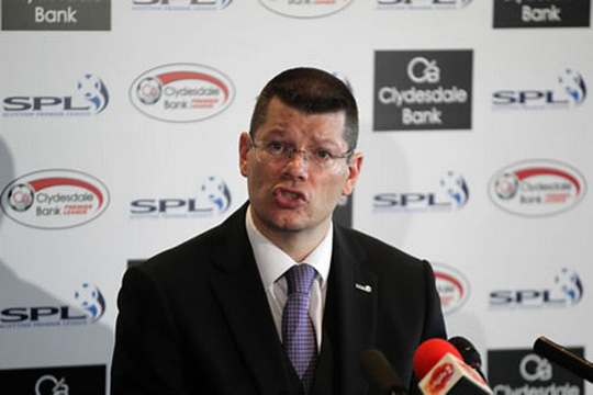 Ông Neil Doncaster phản đối ý định đá Champions League vào thứ bảy