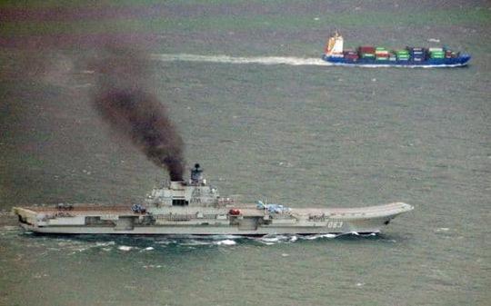 Tàu Đô đốc Kuznetsov băng qua eo biển Manche hôm 21-10 Ảnh: Telegraph