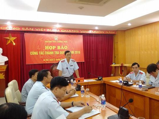 Ông Ngô Văn Khánh (đứng), Phó tổng Thanh tra Chính phủ, chủ trì buổi họp báo
