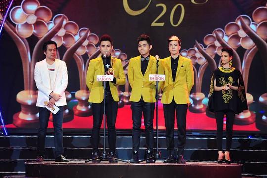 Nhóm hát 365 nhận giải Nhóm hát được yêu thích nhất tại lễ trao Giải Mai Vàng 20-2014