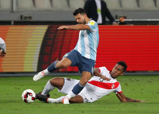 Aguero bị chấn thương trận gặp Peru