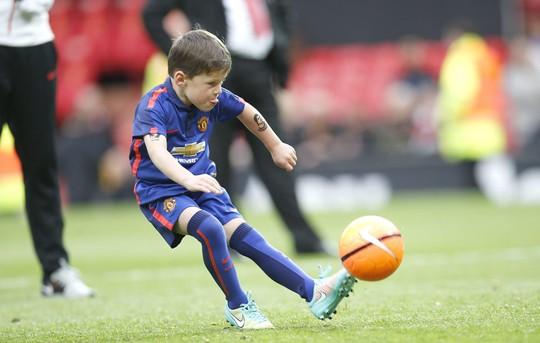 Kai, 6 tuổi, con trai của Rooney