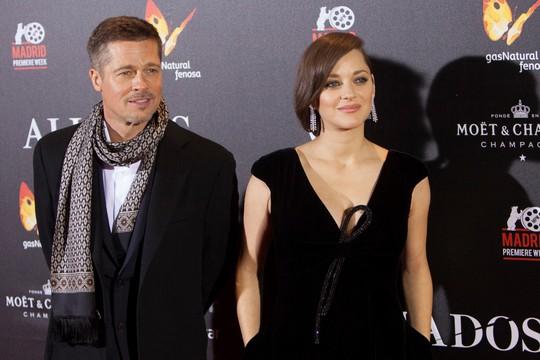 Brad Pitt và bạn diễn Marion