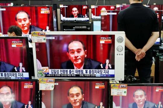 Ông Kung Sok-ung đã bị cách chức vì ông Thae Yong-ho (trong ảnh), phó đại sứ Triều Tiên tại Anh, đào tẩu. Ảnh: Reuters