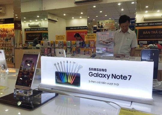Riêng Công ty TNHH Samsung Electronics Việt Nam Thái Nguyên chi nhánh TP HCM nhập khẩu và phân phối gần 13.000 sản phẩm Note 7. Ảnh: Hoàng Triều