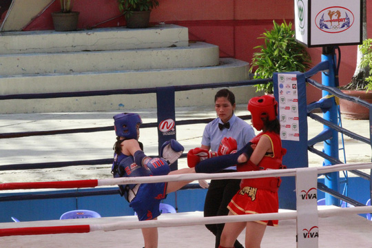 Dù là nữ nhưng các võ sĩ thi đấu khá quyết liệt
