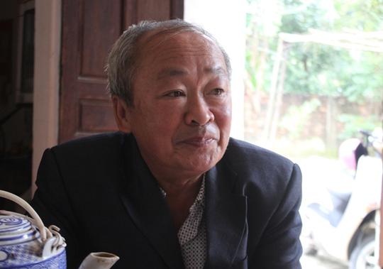 Lão nông Phạm Đức Bình thu trăm triệu đồng từ mô hình trồng hoa ly.