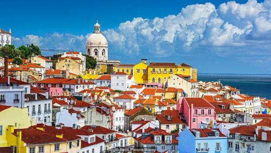Thật khó để bỏ qua nền văn hóa u sầu độc đáo của Bồ Đào Nha. Ảnh: Sean Pavone