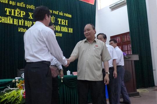 Thủ tướng Nguyễn Xuân Phúc tiếp xúc cử tri huyện Vĩnh Bảo, TP Hải Phòng vào sáng 5-10 - Ảnh: Bảo Trân