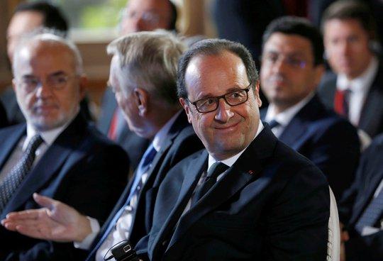 Tổng thống Pháp Francois Hollande dự một hội nghị bộ trưởng bàn về tương lai của TP Mosul - Iraq tại Paris hôm 20-10 Ảnh: REUTERS