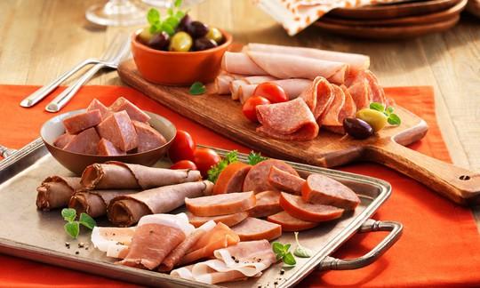 Thịt chế biến sẵn tăng nguy cơ mắc bệnh nặng.