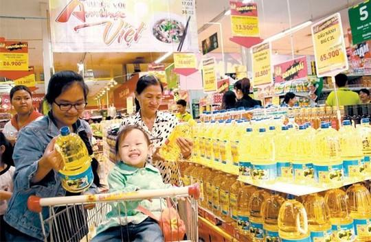 Hàng Việt đang bị động về vị trí của mình trong siêu thị ngoại. Ảnh: T.Tân
