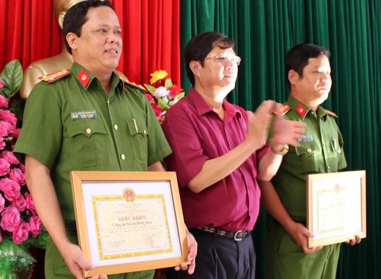Khen thưởng Công an huyện Đông Hòa vì thành tích phá án nhanh